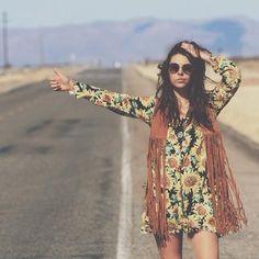 Eu Não tenho Roupa - Primeiro Blog de Moda Curitiba: 03 Looks Inspiração de colete de franjas!