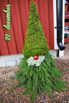 Scandinavian Christmas gnomes are easy and cheap DIY Christmas yard decorations! We show you how to make easy evergreen gnomes for porch, Swedish Christmas, Christmas Gnome, Scandinavian Christmas, Christmas Projects, Christmas Holidays, Christmas Wreaths, Christmas Ornaments, Scandinavian Gnomes, Art Floral Noel