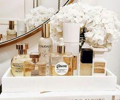 24 new Ideas for makeup beauty room breakfast Perfume Storage, Perfume Organization, Perfume Display, Perfume Tray, Vanity Organization, Care Organization, Makeup Beauty Room, Home Decoracion, Classy Aesthetic