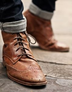 Just bought a pair of wingtips last month -- and now I'm pining for wingtip BOOTS! Gq Style, Mode Style, Style Men, Style Blog, Fashion Moda, Mens Fashion, Fashion Shoes, Fashion News, Girl Fashion