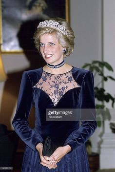 Princess Diana In Melbourne Attending A State Dinner At Government House During A Royal Tour Of Australia. She Is Wearing The Spencer Tiara.
