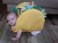 costume Taco baby costume Onesie So cute Baby Taco Costume, Best Baby Costumes, Food Costumes, Costume Ideas, Costumes For Babies, Hamburger Costume, Puppy Costume, Baby Kostüm, Baby Kind