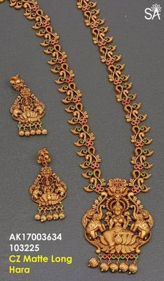 bridal jewelry for the radiant bride Real Gold Jewelry, Gold Jewellery Design, Silver Jewellery, Silver Rings, Handmade Jewellery, Jewellery Display, Fine Jewelry, India Jewelry, Temple Jewellery