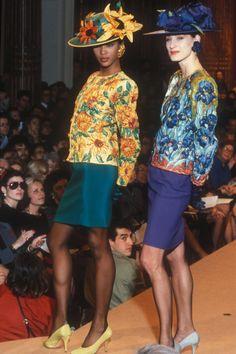 Naomi Campbell, Ysl, Retro Fashion, Fashion Art, Womens Fashion, Vintage Fashion, Van Gogh Pinturas, Yves Saint Laurent Paris, Dior