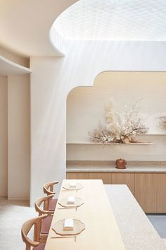 INTERIORS / Clouds, sky, nature — these elements inspire the elegant, calm and sensorial design of Rose Mertens.restaurant, a new fine-dining Japanese restaurant by. Minimalist Architecture, Minimalist Interior, Interior Architecture, Interior And Exterior, Modern Interior Design, Interior Design Inspiration, Home Design, Japanese Modern Interior, Japanese Minimalism