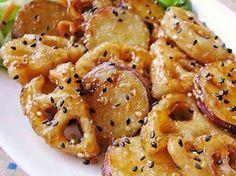 材料 (3人分) さつまいも(小)1本(200g~) れんこん1節(150g~) ★醤油・砂糖 各大さじ2 ★酢大さじ1 ごま(仕上げ用)たっぷり 片栗粉 適量 Asian Cooking, Easy Cooking, Cooking Recipes, Easy Party Food, Cafe Food, No Cook Meals, Vegetable Recipes, Asian Recipes, At Least