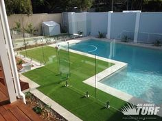 swimming-pool-synthetic-grass