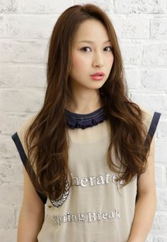Beautiful long and natural looking hairstyle for Asian Women