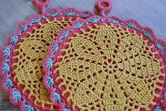 Ravelry: A Flower Hotpad pattern by Patrizia Pisani could make a nice t-shirt yarn rug Potholder Patterns, Crochet Potholders, Crochet Quilt, Doily Patterns, Crochet Home, Crochet Gifts, Crochet Motif, Crochet Yarn, Crochet Flowers