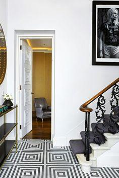 Flur Einrichtungsbeispiele muster schwarz weiß wandgestaltung mit farbe einrichtungsbeispiele