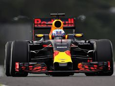 Daniel Ricciardo claimed that Kimi Raikkonen's penalty was actually a hindrance for him as it meant he had to start the Japanese Grand Prix on the damp side of the starting grid.