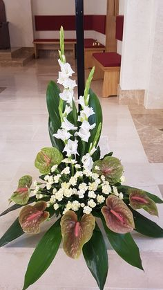 Tropical Floral Arrangements, Large Flower Arrangements, Funeral Flower Arrangements, Altar Flowers, Church Flowers, Funeral Flowers, Flower Wall Decor, Flower Decorations, Unusual Flowers