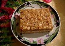 Medové řezy s ořechy Krispie Treats, Rice Krispies, Bread, Cake, Food, Brot, Kuchen, Essen, Baking
