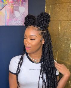 locs hairstyles hairstyles with afro puff hairstyles nigeria hairstyles for 8 year olds hairstyles going back hairstyles in a bun hairstyles to do on yourself braided hairstyles Box Braids Hairstyles, Braided Hairstyles For Black Women, Baddie Hairstyles, Braids For Black Hair, My Hairstyle, Girl Hairstyles, Hairstyles Videos, Protective Hairstyles, Black Hairstyles