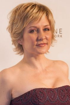 More of Amy Carlson's hair . Like this hairstyle – Linda (Amy Carlson) on Blue Bloods,See more ideas about . carlson hairstyle blue bloods this 20 Amy Medium Short Hair, Short Hair With Layers, Short Hair Cuts For Women, Medium Hair Styles, Short Hair Styles, Amy Carlson, Short Shaggy Haircuts, Cute Hairstyles For Short Hair, My Hairstyle