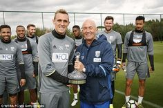 Club captain Darren Fletcher presented Pulis with the decanter to mark his 1,000 milestone