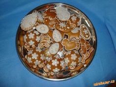 oříškové perníčky - měkké po upečení Deserts, Plates, Baking, Tableware, Sweet, Essen, Drinking, Licence Plates, Candy