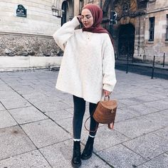 """4,014 Likes, 11 Comments - hijab style icon (@hijabstyleicon) on Instagram: """"@sauf.etc ~~~~~~~~~~~~~~~~~~ FOLLOW @hijabstyleicon #tesettur#hijabfashion #hijabstyle #hijabbeauty…"""""""