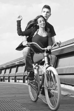 Fran Berbel el puente roto, Santa Maria de Palautordera -Sant Celoni -Barcelona  colaboracion cesion bicicleta: Hoodbikes.com — con Víctor Martín Moreno & Raquel Leon