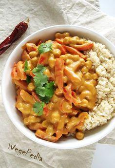 Curry z ciecierzycą i papryką - fit, bez mleka kokosowego Vegetable Recipes, Vegetarian Recipes, Cooking Recipes, Healthy Recipes, Big Meals, Vegan Dinners, Pasta, Asian Recipes, Food Inspiration