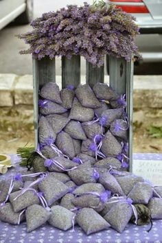 Lavender sachets in crate, perfect display! Lavender Cottage, Lavender Garden, Lavender Bags, Lavender Sachets, Lavender Fields, Lavender Flowers, Lavender Crafts, Color Lavanda, All Things Purple