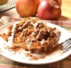 Apple Crisp Made with Graham Cracker Crumbs   Apple Crumble   Brown Betty   www.craftycookingmama.com
