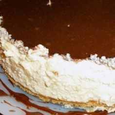 Bar One Cheesecake ~ South African - use Mars Bar in Australia Pudding Desserts, No Bake Desserts, Dessert Recipes, Cakes Plus, South African Recipes, Man Food, Caribbean Recipes, Dessert Bread, Something Sweet