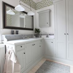 Broby rökgrå | Tradition | Produkter | Kvänum Bathroom Inspiration, Small Bathroom Inspiration, Small Bathroom, Little Green House, Laundry In Bathroom, Small Bathroom Organization, Amazing Bathrooms, Home, Tile Bathroom