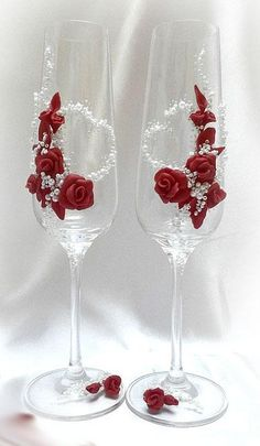 Polymer roses on wine glasses