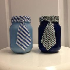 This is for a pair of tie mason jars. Be sure to tell me what color/pattern you would like your tie to be! If the insides of the jars are painted, it is not recommended that you store food in the jars