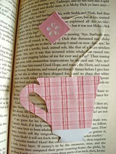 Today I present to you - a teacup bookmark, with a hanging tea tag! :D Possibly a father's day gift for a tea-drinking, book-loving dad? Or for anyone who enjoys a good cup of tea. And a goo…