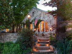 The Chanticleer Inn Bed and Breakfast sits with distinction high atop Lookout Mountain, Tennessee