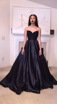 Black Sweetheart Taffeta Ball Gown Evening Dress Crystal Sexy 2015 Popular Long Party Gowns
