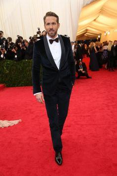 Ryan Reynolds shawl collar velvet navy tuxedo
