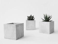 Pflanzenübertopf handgemacht aus Beton. Hier entdecken und shoppen: http://sturbock.me/hM2
