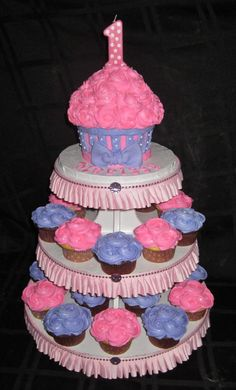 First birthday cupcakes cant help but start planning already