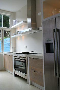 Whitewash eiken houten keuken ikea KOAK DESIGN. Whitewash eiken houten keuken op ikea faktum kasten KOAK DESIGN in de stijl van Piet boon