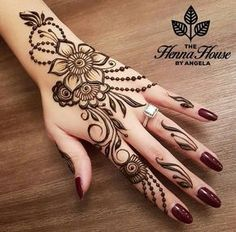 Simple Mehndi Design Images Gallery - Simple Mehndi Designs for Hands Images Easy to Draw for Beginner. new mehndi design that suitable for beginner Dulhan Mehndi Designs, Mehandi Designs, Henna Art Designs, Modern Mehndi Designs, Mehndi Design Photos, Beautiful Henna Designs, Mehendi, Henna Mehndi, Beautiful Mehndi