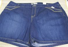 Tommy Hilfiger Woman's Denim Blue Shorts Plus Size 24 W506/606 Button Zipped  #TommyHilfiger #CasualShorts