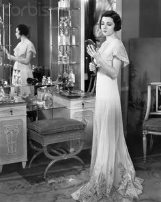 Claudette Colbert I love that gown. How beautiful and how gracefully it moves. Wish I had one. It is timeless.