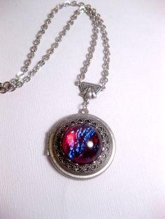 Dragons Breath Locket  Opal Necklace  di FashionCrashJewelry