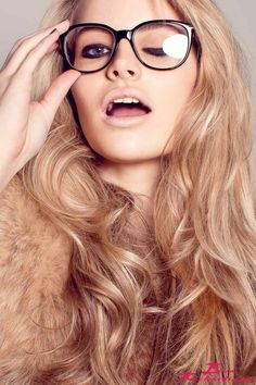 Chic Hair and glasses