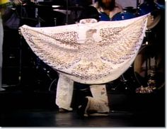 Elvis Presley : Aloha From Concert : January 14, 1973.he chose the eagle as a symbol of America. There were actually two almost identical suits made for the show.