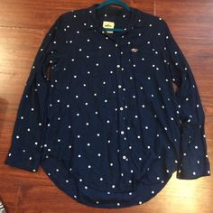 Hollister long sleeved top Hollister button up long sleeved top, navy blue with white polka dots, size L Hollister Tops Button Down Shirts