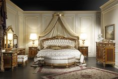 Classic bedroom in walnut Louis XVI style - Vimercati Meda