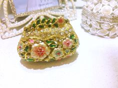 Crystal jewelry box, this cute little things will brighten up your very special day