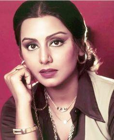 80s Actresses, Indian Actresses, Classy Halloween Costumes, Randhir Kapoor, Rishi Kapoor, Neetu Singh, Indian Hindi, Indian Natural Beauty, Bollywood Pictures