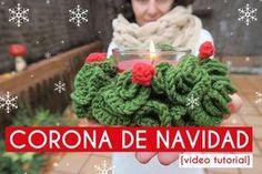¡Empezamos el Especial de Navidad! Hoy aprenderás cómo hace runa corona de Navidad de ganchillo para decorar una mesa, un rincón, o la puerta de casa ;)