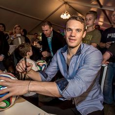 manuel neuer manu pinterest manuel neuer fifa and soccer players. Black Bedroom Furniture Sets. Home Design Ideas