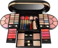 In the makeup kit you can keep your makeup products like eyeliner, eye shadow,